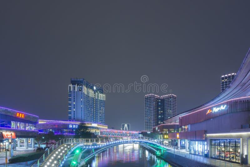 Ночь горизонта Сучжоу стоковые фото