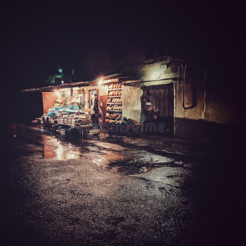 Ночь и комфорт Сделанный по телефону стоковое изображение
