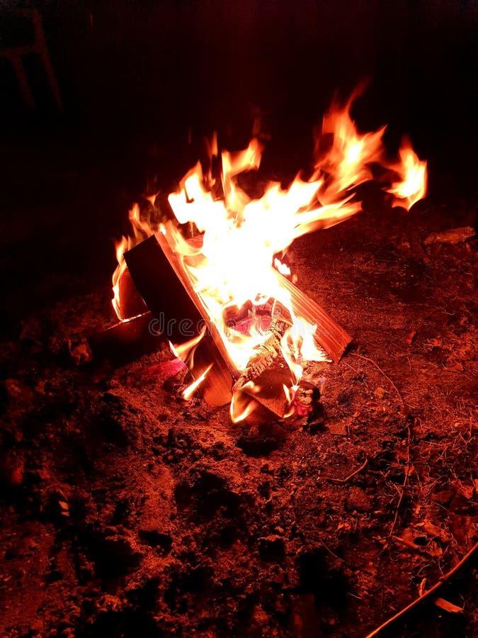 Ночь костра в моем сердце стоковая фотография rf