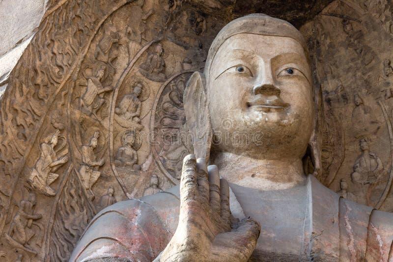Ноябрь 2014, Datong, Китай: Статуя Будды на гротах Yungang в Datong, Китае стоковые фотографии rf