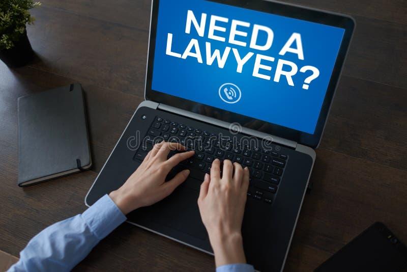 Нужен юрист Вызовите теперь сообщение на экране Поверенный в суде, правовая помощь онлайн стоковые фото