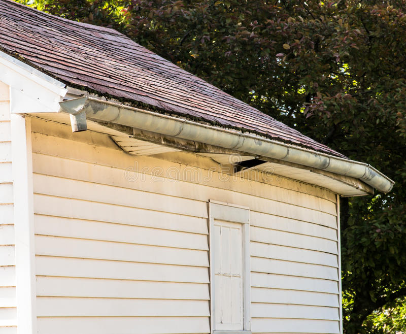 Нужный ремонт гаража стоковое изображение