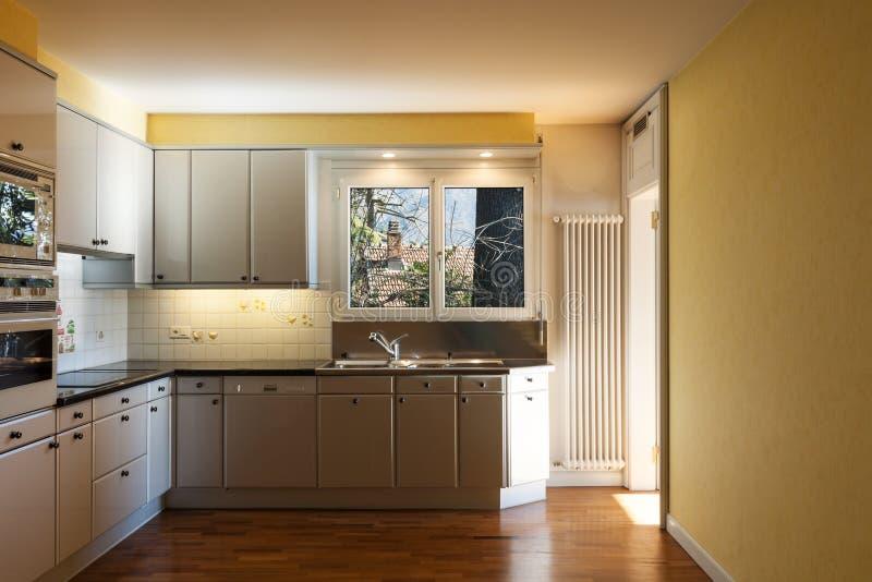 Интерьер, кухня стоковое изображение rf