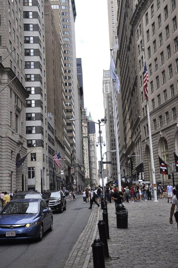 Нью-Йорк, 2-ое августа: Поручая Bull от более низкого Манхаттана в Нью-Йорке стоковая фотография