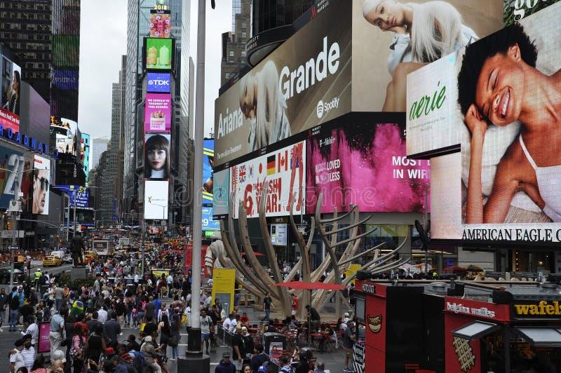 Нью-Йорк, 20-ое августа: Фестиваль огней Таймс-сквер от центра города Манхэттена в Нью-Йорке стоковые фотографии rf