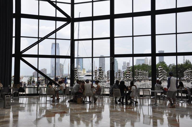 Нью-Йорк, 2-ое июля: Интерьер места Brookfield в Манхаттане от Нью-Йорка в Соединенных Штатах стоковое изображение rf