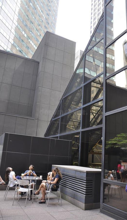 Нью-Йорк, 1-ое июля: Trump экстерьер террасы башни от Пятого авеню в Манхаттане от Нью-Йорка в Соединенных Штатах стоковое изображение rf