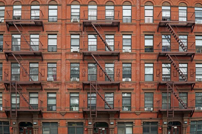 Нью-Йорк, старый, жилой дом стоковое изображение rf