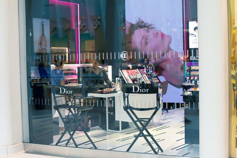 НЬЮ-ЙОРК, США - август 2018: Бутик магазина Dior должностного лица на торговом центре Oculus, Нью-Йорке SE Кристиана Dior стоковая фотография rf