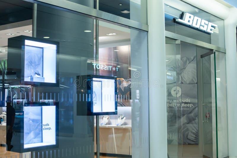 НЬЮ-ЙОРК, США - август 2018: Магазин Bose должностного лица на торговом центре Oculus, Нью-Йорке Bose Корпорация a неофициально стоковые фото