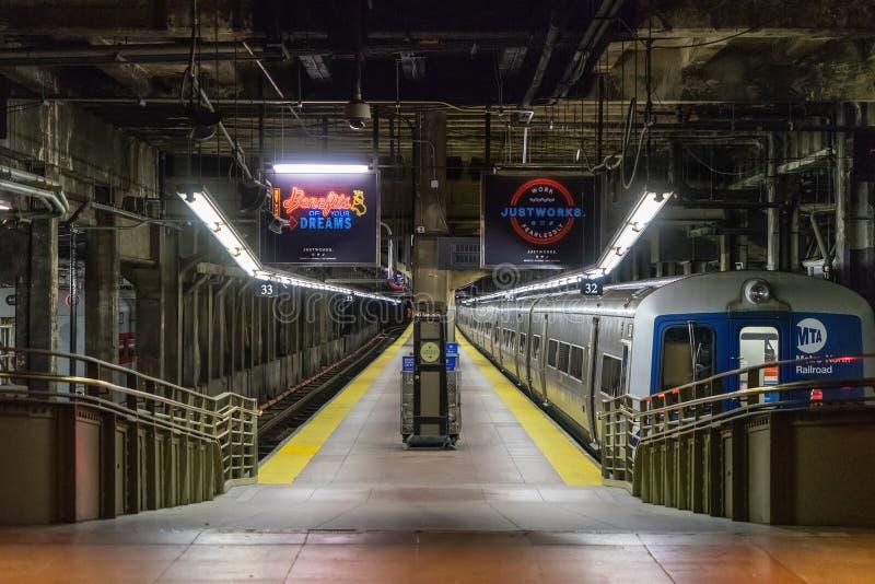 НЬЮ-ЙОРК, США - 5-ОЕ МАЯ 2018: Большой центральный интерьер в Манхэттене, Нью-Йорке стоковое фото