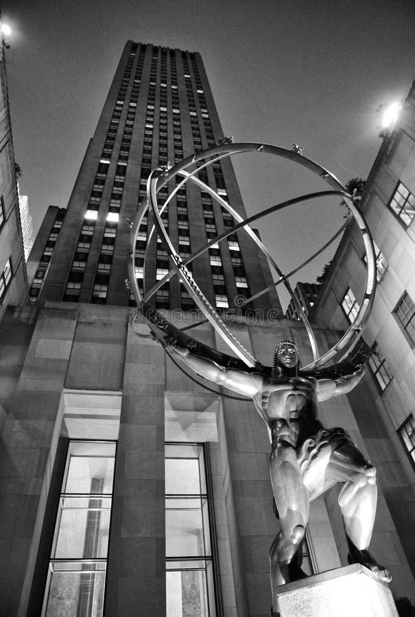 Нью-Йорк, США - 25-ое мая 2018: Статуя атласа перед центром Рокефеллер в Нью-Йорке стоковое изображение rf