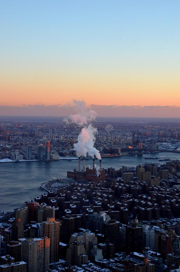 Нью-Йорк с белыми крышами стоковое изображение