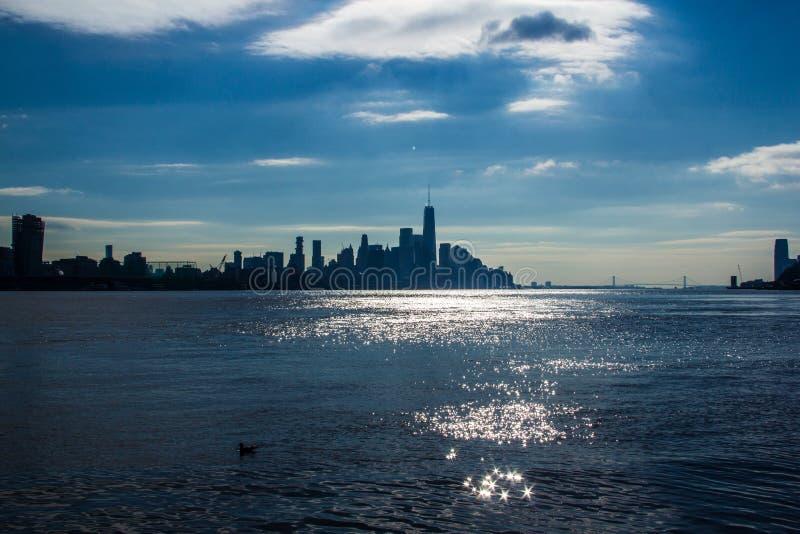 Нью-Йорк, NY/объединенный Государство-декабрь 26, 2018 понижают горизонт NYC стоковая фотография rf