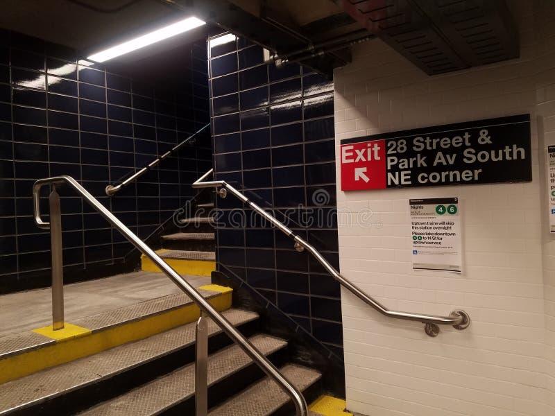 Нью-Йорк, NY США, 16-ое января 2019: заново открыл заново станцию метро, станцию улицы MTA 28th на линии бульвара Lexington 6 стоковые фотографии rf