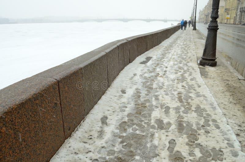 Обваловка гранита Neva стоковые фотографии rf