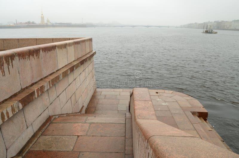 Обваловка гранита Neva стоковое изображение