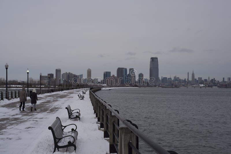 Обваловка зимы к горизонту стоковое изображение