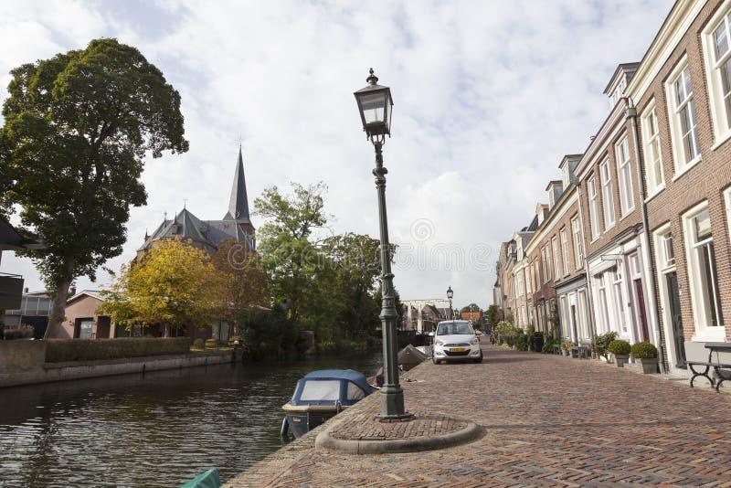 Обваловка реки Vecht в голландской деревне Maarssen стоковые изображения