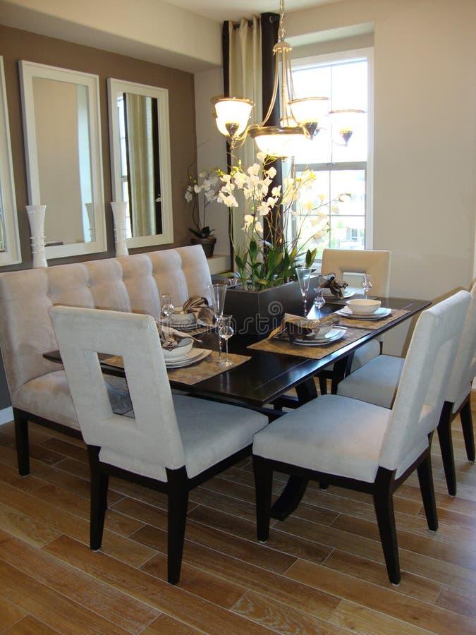обедать самомоднейшая комната стоковое изображение rf