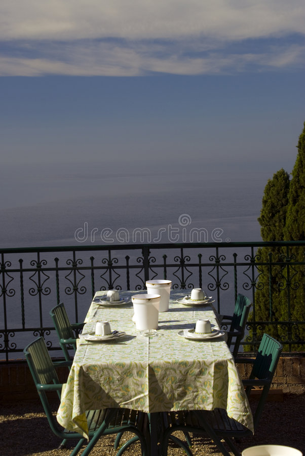 обедать tabe Сицилии стоковые изображения rf