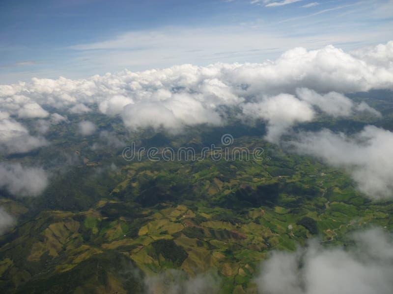 Обезлесение земли на горах в Коста-Рика стоковое фото