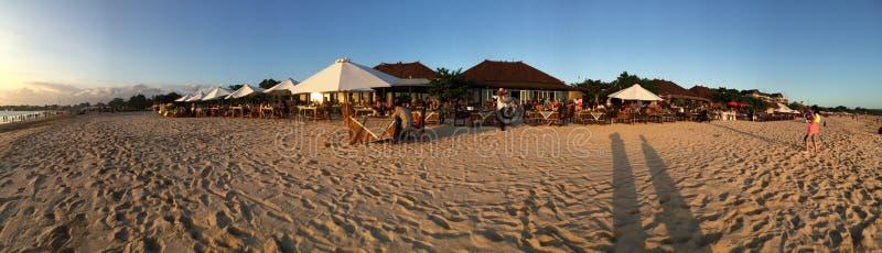 Обедающий на пляже Бали Jimbaran стоковые фотографии rf