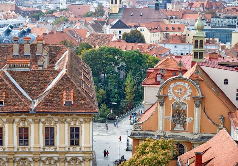 Обзор города от холма Schlossberg в городе Граца, Австрии стоковое фото