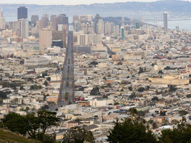 Download Обзор городского пейзажа Сан-Франциско Стоковое Изображение - изображение насчитывающей урбанско, город: 81806475