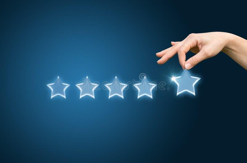 Обзор клиента дает звезду 5 стоковые фотографии rf