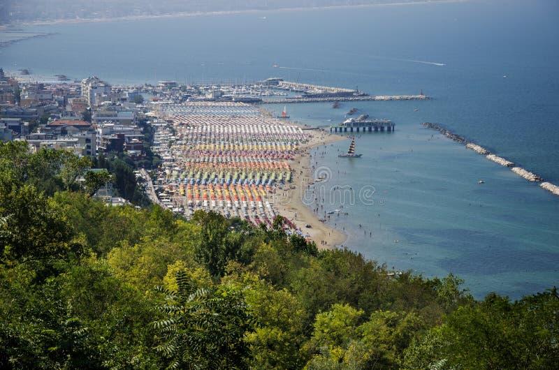 Обзор пляжа в конематке Gabicce стоковые фотографии rf