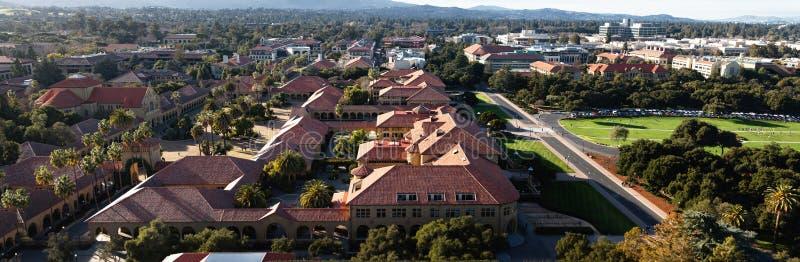 Обзор Стэнфордского университета стоковая фотография rf