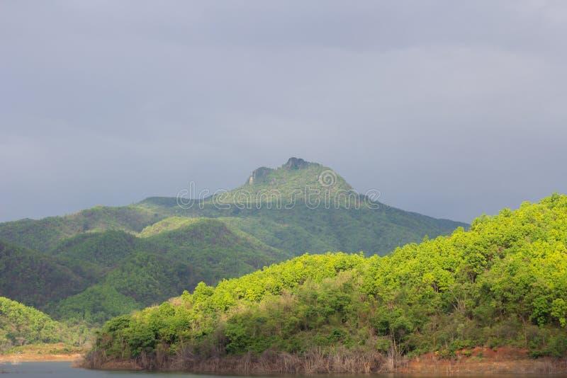 Обильный резервуар стоковое изображение rf