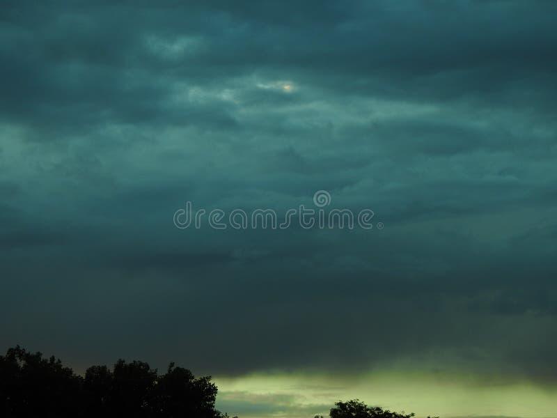 Облака бирюзы зеленые стоковая фотография rf