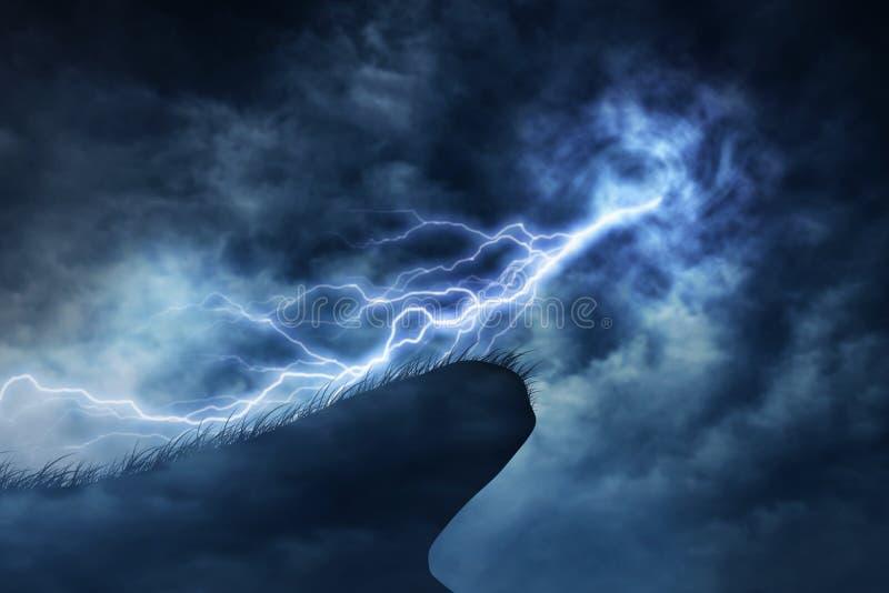 Облака и молнии грома стоковые фотографии rf