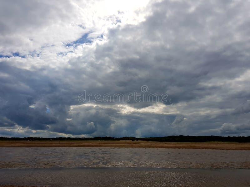 Облака над skegness стоковые изображения