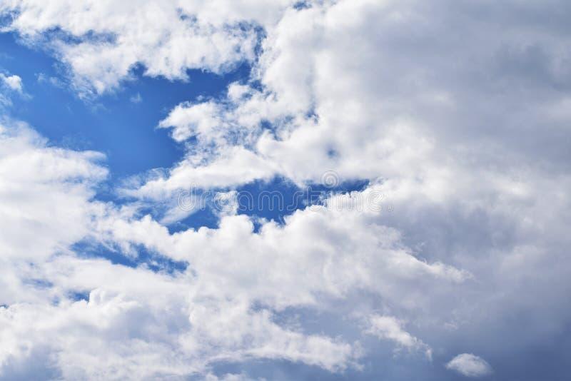 Облака на красивом местообитании стоковые изображения