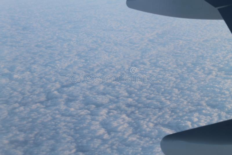 Облака от взгляда самолета стоковые фотографии rf