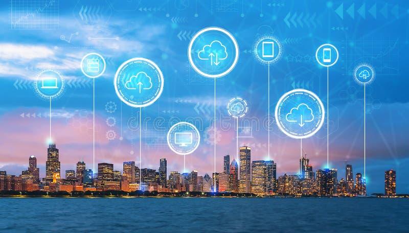 Облако вычисляя с городским Чикаго стоковая фотография