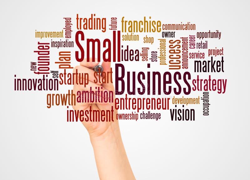 Облако и рука слова мелкого бизнеса с концепцией отметки бесплатная иллюстрация