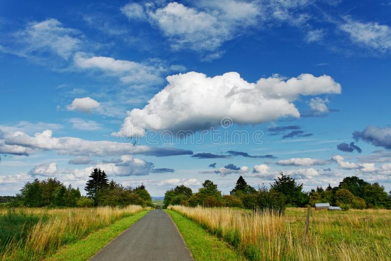 облако к путю стоковое фото