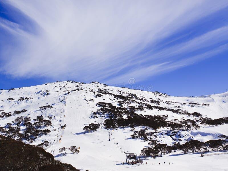 Облако подвесного подъемника стороны горы SM стоковая фотография