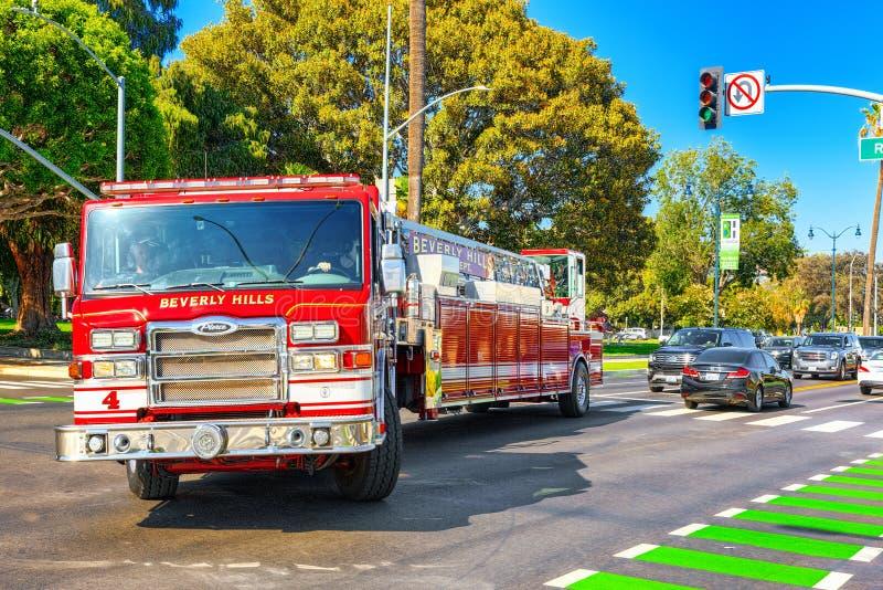 Область Беверли-Хиллз и пожарные машины, спешность, который нужно увольнять стоковые фотографии rf