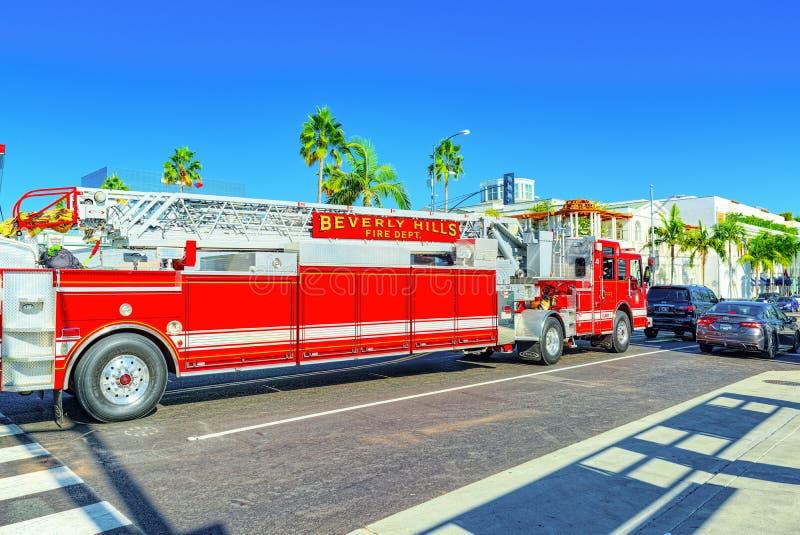 Область Беверли-Хиллз и пожарные машины, спешность, который нужно увольнять стоковые фото