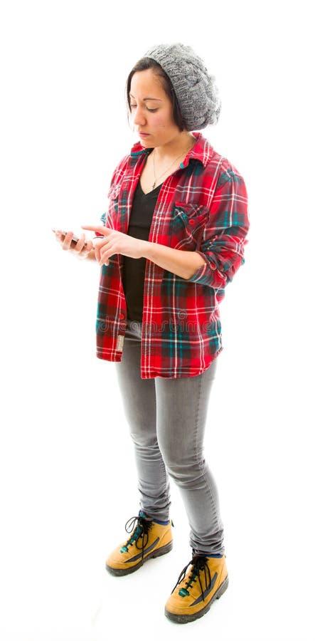 Download Обмен текстовыми сообщениями молодой женщины на мобильном телефоне Стоковое Фото - изображение насчитывающей удобство, стоять: 41652182