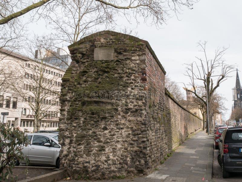 Обмылки/руины старых римских стен города Кёльна/Кёльн, Германии стоковые фотографии rf