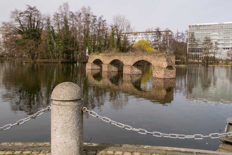 Обмылки старого римского мост-водовода, в Кёльне, Германия стоковая фотография