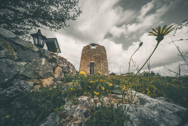 Обмылки старой ветрянки в Askos стоковая фотография