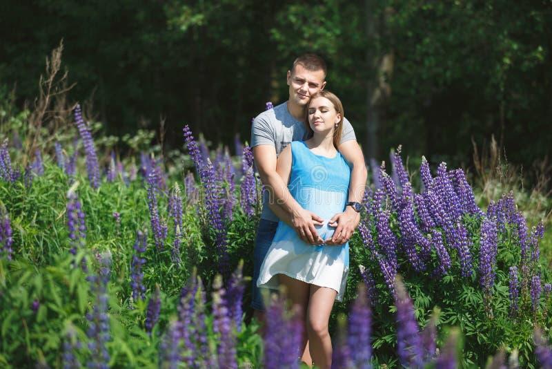 фото молодых беременных