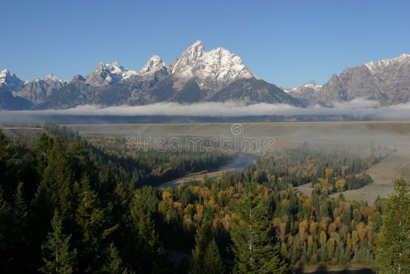 Download обозите змейку реки стоковое изображение. изображение насчитывающей снежок - 486429